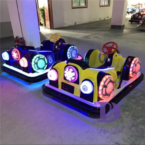 Plastic body new design battery bumper cars
